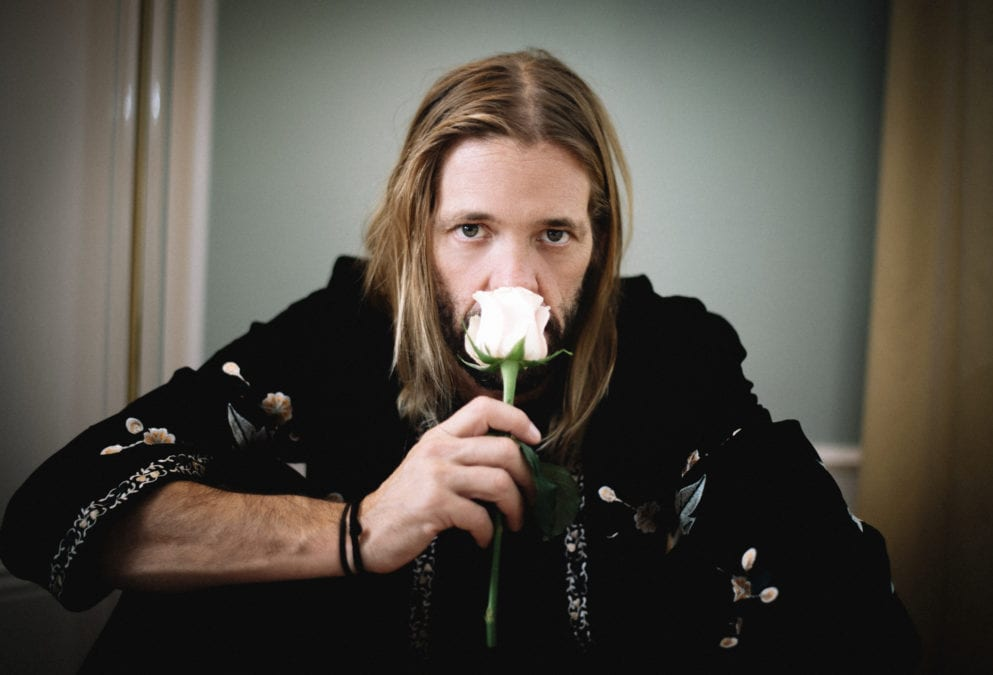 """TAYLOR HAWKINS, """"I really liked singing with ladies on this album"""" [Interview]"""