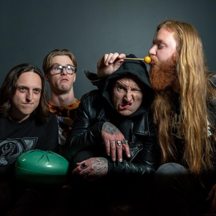 MOUNTAIN WIZARD DEATH CULT Tap Into Their Musical Psyche With 'Wretch'