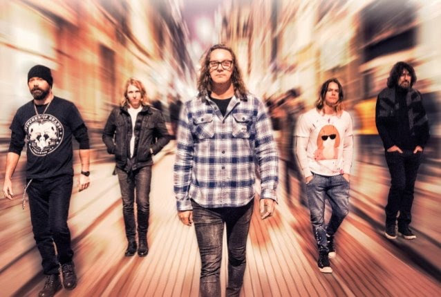 CANDLEBOX Lighten The Load On New Track