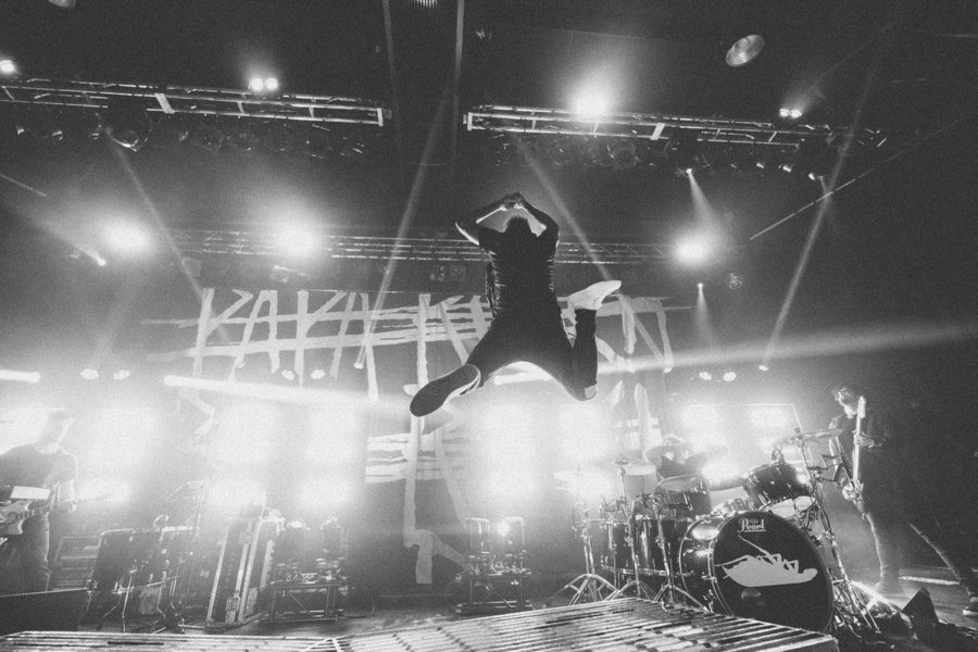 PAPA ROACH Pick Up The Pieces With New Song